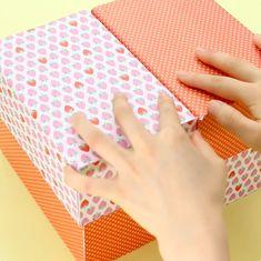 開けてびっくり!大好きなお菓子がいっぱい詰まった「お菓子冷蔵庫」   mama+(ママタス) Cards, Map, Playing Cards, Maps