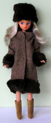 Fur trim coat and hat mary quant daisy doll 70s Fashion, Fashion Dolls, Vintage Fashion, 1970s Dolls, Fur Trim Coat, Mary Quant, Sindy Doll, Iconic Women, Vintage Dolls
