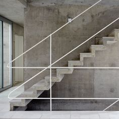 Concrete stairs, floating stairs, Metro Associated Architects, Concrete House - Home Interior Design Concrete Staircase, Stair Handrail, Concrete Houses, Banisters, Railings, Beton Design, Concrete Design, Railing Design, Staircase Design