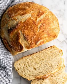Easy No Knead Bread Recipe is made with only 4 ingredients and 5 minutes of prep! Homemade dutch oven bread that Artisan Bread Recipes, Dutch Oven Recipes, Baking Recipes, Baking Dishes, Knead Bread Recipe, No Knead Bread, Homemade Naan Bread, Dutch Oven Bread, Dinner Rolls Recipe