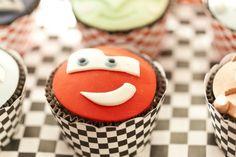 cupcake mcqueen em pasta americana