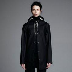 stutterheim, stockohlm, black, raincoat, rainwear, regnjacka, online