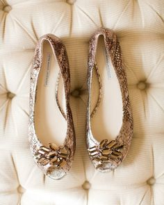 ea3d6b153cb6bc 20 Pretty Flats for Every Summer Bride