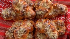 Mucenici moldovenesti, pufosi si de post Chicken Wings, Nutella, Oreo, French Toast, Deserts, Breakfast, Mai, Food, Sweets