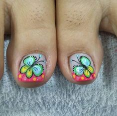 #peinadosartisticos Toenail Art Designs, Pedicure Designs, Get Nails, Hair And Nails, Summer Toe Designs, Cute Pedicures, New Nail Art Design, Butterfly Nail Art, French Pedicure