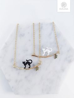 Cat Necklace, Arrow Necklace, Gold Necklace, Pendant Necklace, Cat Lover Gifts, Cat Lovers, Cat Accessories, Gold Chains, Cute Cats