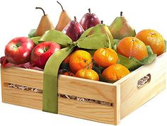 Fruit Hampers, Gift Hampers, Fruit Gifts, Food Gifts, Mixed Fruit, Fresh Fruit, Bussines Ideas, Veggie Box, Gift Crates