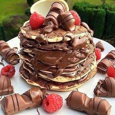 @love_food media (Dec 19 2015) has 20676 likes and 596 comments