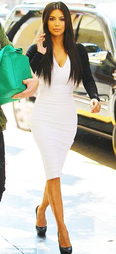 kim k white dress...looking great with straight hair!!!