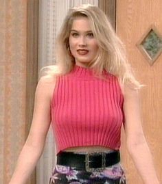 """Christina Applegate as """" Kelly Bundy """" in 'Married with Children' Christina Applegate Hot, Kristen Johnston, Beautiful Christina, Married With Children, Hollywood, Child Actresses, Natural Women, Tall Women, Girls Sweaters"""
