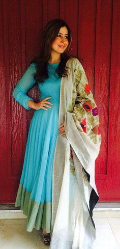 Beautiful blue anarkali designer punjabi suit with floral motif dupatta. Punjabi Dress, Pakistani Dresses, Indian Dresses, Indian Outfits, Saris, Indian Attire, Indian Ethnic Wear, Kurta Designs, Blouse Designs