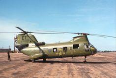 HMM-262 CH-46 at LZ Baldyage