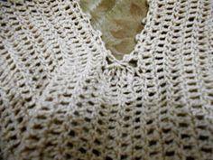Oi meninas, fiz um PAP da blusa inspirada no modelo abaixo   Há outras formas de fazer esta blusa, o que segue abaixo é um deles         ...