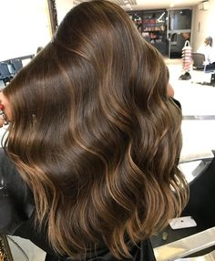 Side Swept Waves for Ash Blonde Hair - 50 Light Brown Hair Color Ideas with Highlights and Lowlights - The Trending Hairstyle Brown Hair Balayage, Brown Blonde Hair, Light Brown Hair, Brunette Hair, Ombre Hair, Caramel Hair Highlights, Dark Brown, Beautiful Long Hair, Gorgeous Hair