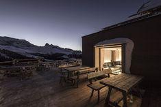 Renovation of High-Altitude Zallinger Refuge-Hotel [Italy]