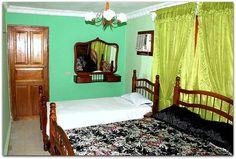 Detalle de la 1ª habitación. Home Decor, Furniture, Decor, Bed