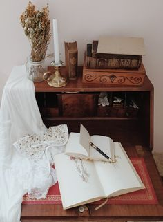 Vintage Inspired Bedroom, Auras, Cottage Homes, Vintage Bohemian, Asmr, Aesthetic Pictures, Lesbian, Core, Channel