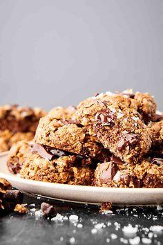 Lactation Cookies Recipe - Oatmeal Chocolate Chip - Healthy, Vegan & GF Oatmeal Chocolate Chip Cookie Recipe, Oatmeal Cookie Recipes, Chocolate Chips, Top Recipes, Dessert Recipes, Easy Recipes, Baking Recipes, Desserts, Healthy Lactation Cookies