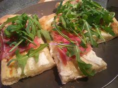 Foodie in Translation: La rubrica del lunedì: pizza stracchino, rucola e ...