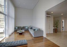 #Cobertura impecável com vista para o #Ibirapuera, com 3 suítes (sendo uma master de 90m²), escritório, living e #varanda social com pé direito duplo. O #prédio é #novo, projetado pelo #arquiteto Itamar Berezin!