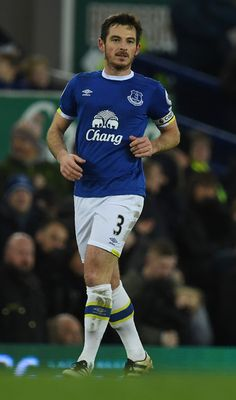 Everton's English defender Leighton Baines (R) celebrates scoring his team's second goal from the penalty spot during the English Premier League football match between Everton and Southampton at Goodison Park in Liverpool, north west England on January 2, 2017. / AFP / Paul ELLIS / RESTRICTED TO EDITORIAL USE. No use with unauthorized audio, video, data, fixture lists, club/league logos or 'live' services. Online in-match use limited to 75 images, no video emulation. No use in betting…