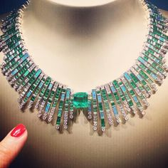 So much amazingness in Piaget's new Sunlight Journey collection including this baguette cut emerald, diamond and black opal necklace with a central 12.59 Colombian emerald ✨@piaget #piaget #sunlightjourney