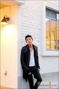 image Ok Taecyeon, Yoo Ah In, Talent Agency, Great Love, Asian Men, Korean Actors, Bomber Jacket, Pretty, Wallpapers