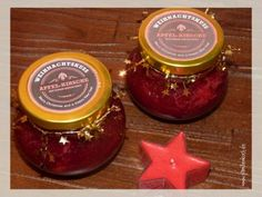 Selbstgemachte Weihnachtsmarmelade ist ein schönes Geschenk aus der Küche, das von Herzen kommt. Unser Rezept für Apfel-Kirschmarmelade mit Zimt ist hi