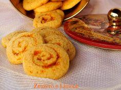 I biscotti zenzero e arancia sono buonissimi, friabili, profumati, aromatizzati quel tanto dal renderli irresistibili e facilissimi da preparare.