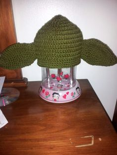 Daughter Larissa wanted me to crochet a beanie yoda ears for my lil grandson Declan.  It was so cute on him
