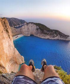O azul de Navaggio Beach, em Zakynthos / Grécia