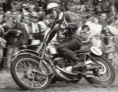 Vintage British Scrambles - Dave Bickers wins the British Grand Prix at Shrublands Park.