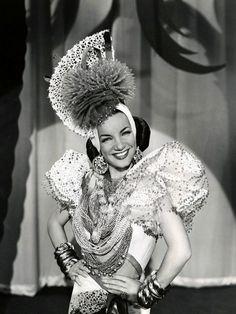 Carmen Miranda. De Brazil pero forma parte del cine de oro.