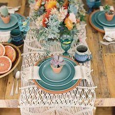 �� Mesas veraniegas llenas de color y alegría �� . . . #boda #bodas #bodas2017 #mesas #decoracion #mesasbonitas #mecaso #noscasamos #siquiero #wedding #weddings #weddingideas #weddingtable #weddinginspiration #weddinginspo #weddingdecor #ideasboda #inspiracionbodas #weddingstyle #weddingtime #weddingday #weddingblogger #bridetobe #bride #instawedding #mimejorplan http://gelinshop.com/ipost/1521795706774698042/?code=BUegSHrBTg6