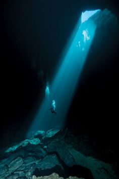 Mount Gambier, South Australia | 7 Best Underwater Caves To Explore