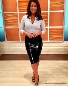 Latex and Leder Susanna Reid wearing Latex pencil skirt by Andylatex When Your Love Has Gone Platinu Latex Skirt, Latex Dress, Latex Outfit, Latex Wear, Sexy Skirt, Dress Skirt, Tight Skirt Outfit, Pvc Skirt, Pencil Skirt Dress