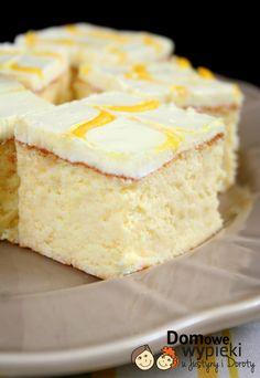 Sernik z kwaśną śmietana i ananasowym cudrem Polish Desserts, Polish Recipes, Cake Recipes, Dessert Recipes, Cheesecake, Rice Cakes, Pavlova, Cake Decorating, Food And Drink