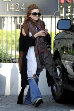 Maryk Olsen, Fashion Icons, Style Icons, Mary Kate Olsen, Mary K Olsen, Bags Lady, Olsen Bags, Freaky Scarves, Homeless Chic