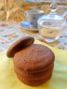 Biscotti inzupposi al cioccolato - Chocolate biscuits  http://blog.giallozafferano.it/rossoduovo/biscotti-inzupposi-al-cioccolato/