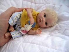 As bonecas Reborn, surpreendentemente realistas 13