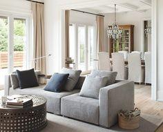 Transitional Living Room. Transitional Home Ideas. Transitional Interiors #TransitionalHomes #TransitionalInteriors #TransitionalLivingRoom Kelly Deck Design