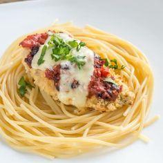 3 Cheese Chicken Parmesan Italian Dishes, Italian Recipes, New Recipes, Cooking Recipes, Italian Cooking, Pasta Recipes, Dinner Recipes, Chicken Marinara, Chicken Meals