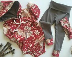Baby bodysuit hoodie set with matching headband, baby sweatshirt, bodysuit hoodie, modern baby clothing, baby gift ideas, infant hoodie #babygirlsweatshirts