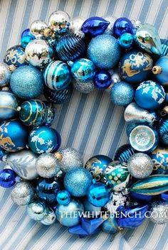 baubles wreath