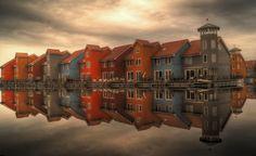Bunte Häuser in Holland! #Niederlande #Häuser #Wasser #Fotografie #Holland #bunt #Wolken #Sonne