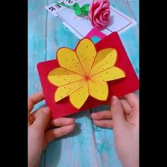 Amazing Paper Craft Ideas Amazing craft Ideas origami Paper is part of Paper crafts - Paper Crafts For Kids, Diy Home Crafts, Diy Arts And Crafts, Creative Crafts, Preschool Crafts, Fun Crafts, Paper Flowers Diy, Flower Crafts, Craft Projects