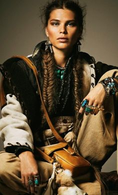 In case you also long being a hippies goddess, make sure you know all the necessary rules and elegance suggestions on how to put on the boho-chic design and style trend! Hippie Style, Mode Hippie, Ethno Style, Bohemian Mode, Gypsy Style, Boho Gypsy, Hippie Chic, Bohemian Style, Bohemian Fashion