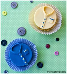 Father's day shirt cupcakes - http://www.pincookie.com/fathers-day-shirt-cupcakes/