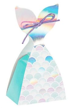 Place all your goodies in this dazzling mermaid tail party favourite box. Fill it with candy or any gift of your choice knowing that whatever you place and then you can be sure each one of your guests will leave with a smile on their face. See more party ideas and share yours at CatchMyParty.com Mermaid Party Favors, Mermaid Party Decorations, Mermaid Parties, Mermaid Cakes, Favor Boxes, Girl Birthday, Party Supplies, Sparkle, Treats