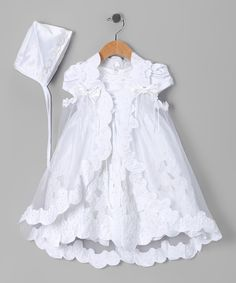 This elegant set is the perfect ensemble for Baby& big day. From an expertly tailored cut to a sheer cape and a sweetly trimmed bonnet, these delightfully embellished pieces will be treasured keepsakes for years to come. Baptism Outfit, Baptism Dress, Baby Girl Baptism, Girl Christening, Blessing Dress, Cool Baby Clothes, Baby Girl Fashion, Baby Dress, Kids Outfits